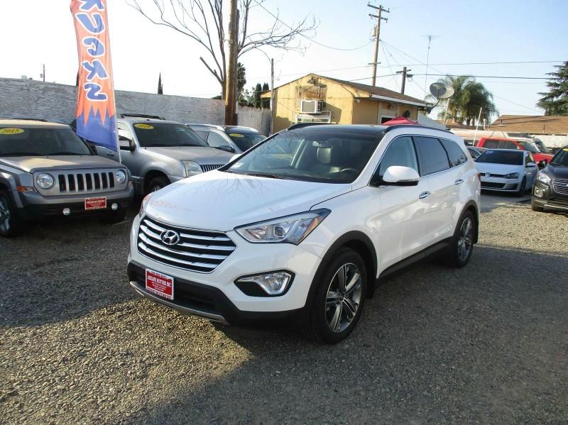 Hyundai Santa Fe 2015 price $20,499