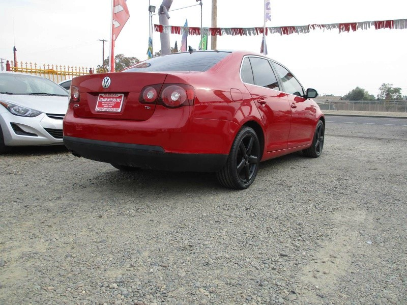 Volkswagen Jetta Sedan 2010 price $6,499