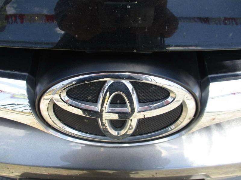 Toyota Camry 2017 price $18,499