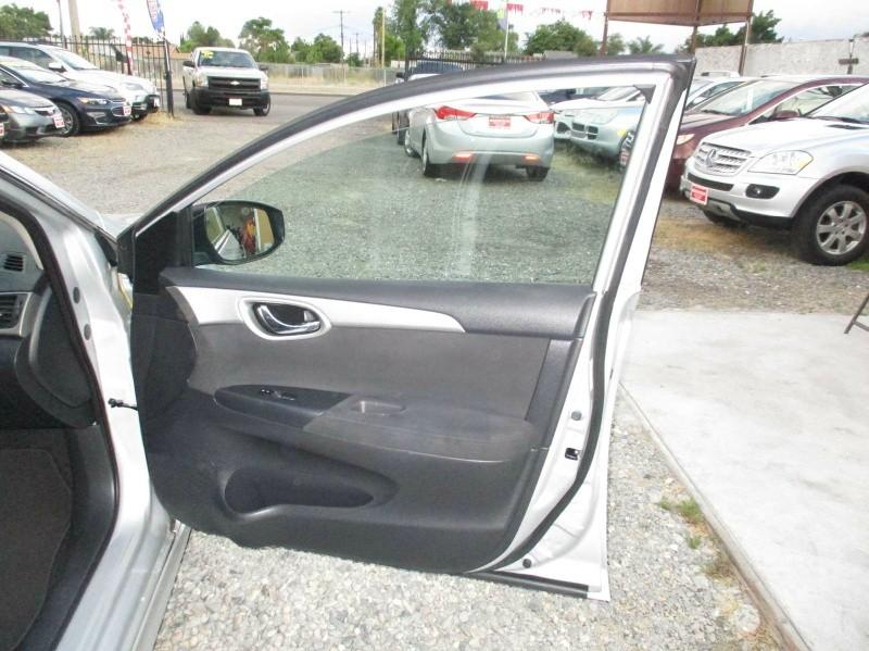 Nissan Sentra 2013 price $8,999