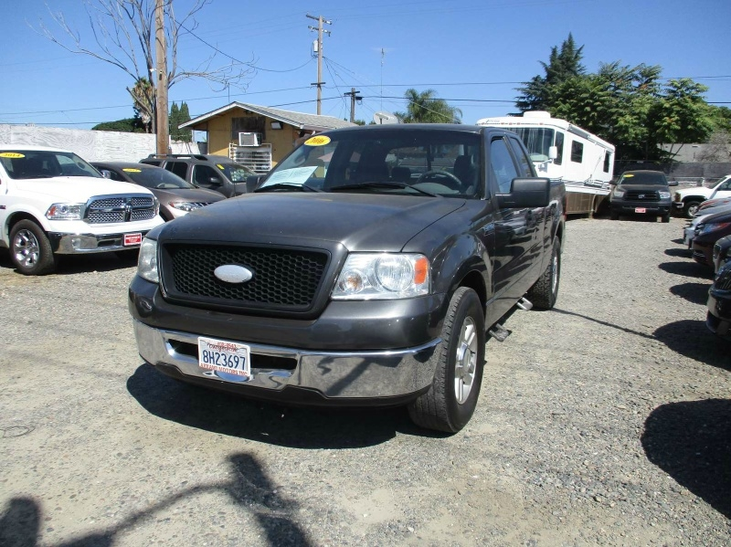 Ford F-150 2006 price $5,499