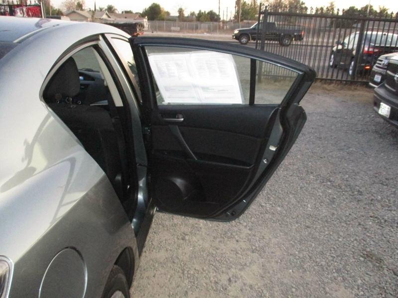 Mazda 3 2013 price $6,499