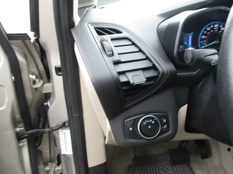 Ford C-Max Energi 2016 price $11,999