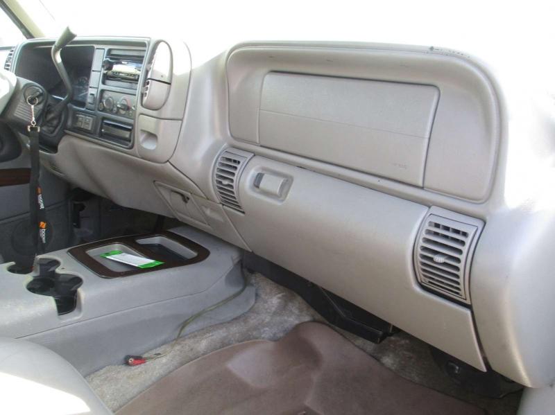 GMC Denali 2000 price $4,999