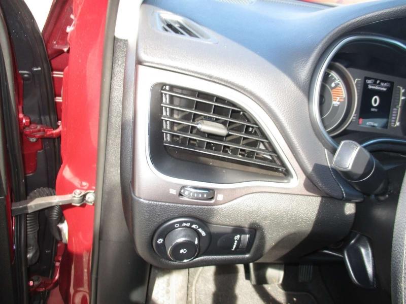 Jeep Cherokee 2019 price $19,999