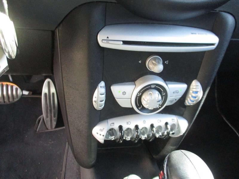 Mini Cooper Hardtop 2010 price $6,999