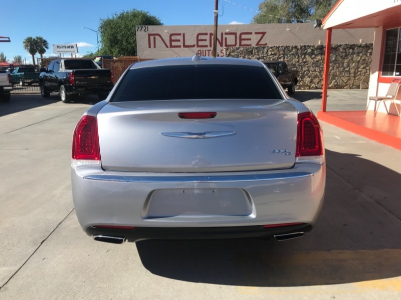 Chrysler 300 2016 price $22,995
