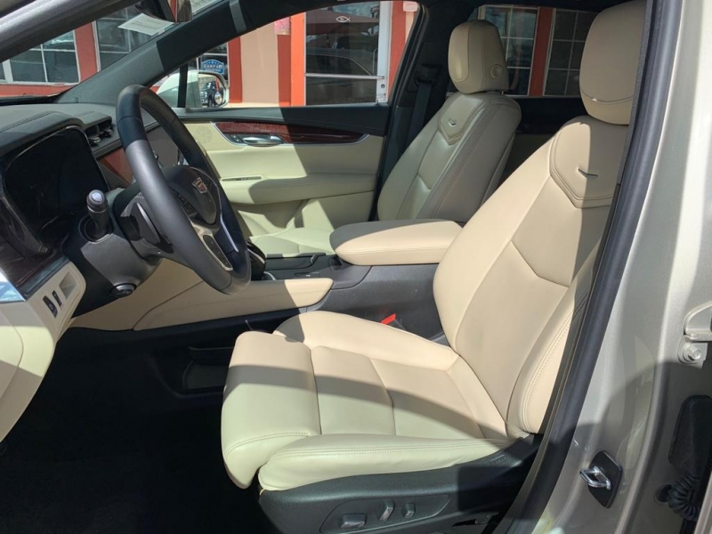 Cadillac XT5 2017 price $29,995