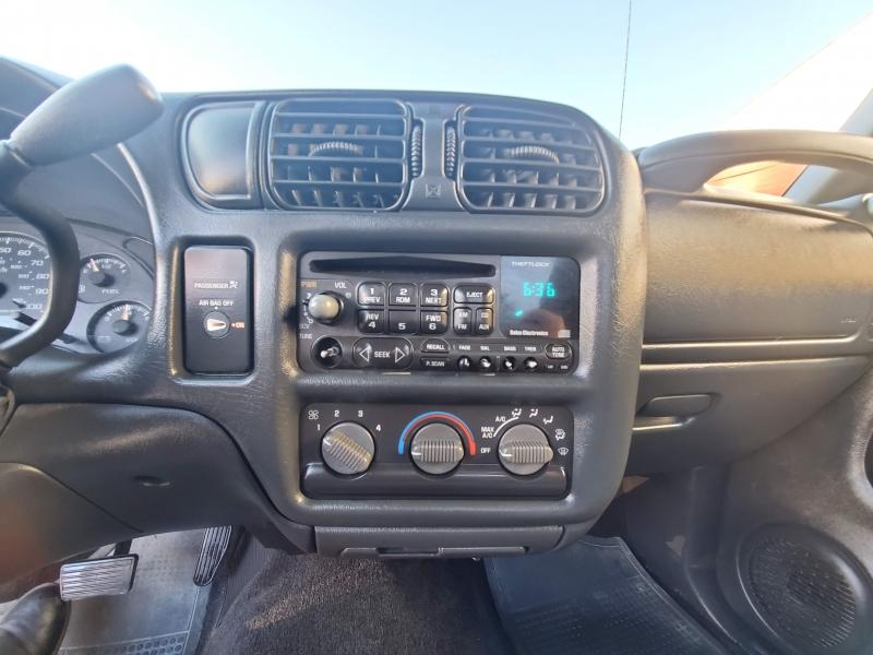 Chevrolet S-10 2001 price $5,995