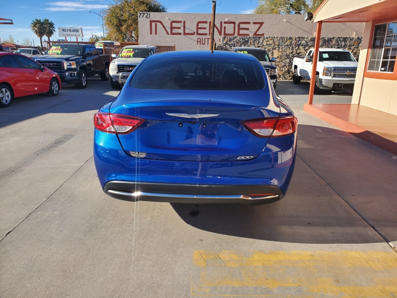 Chrysler 200 2016 price $12,995