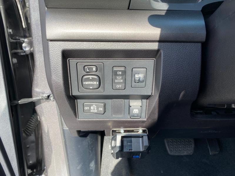 Toyota Tundra 2015 price $26,995