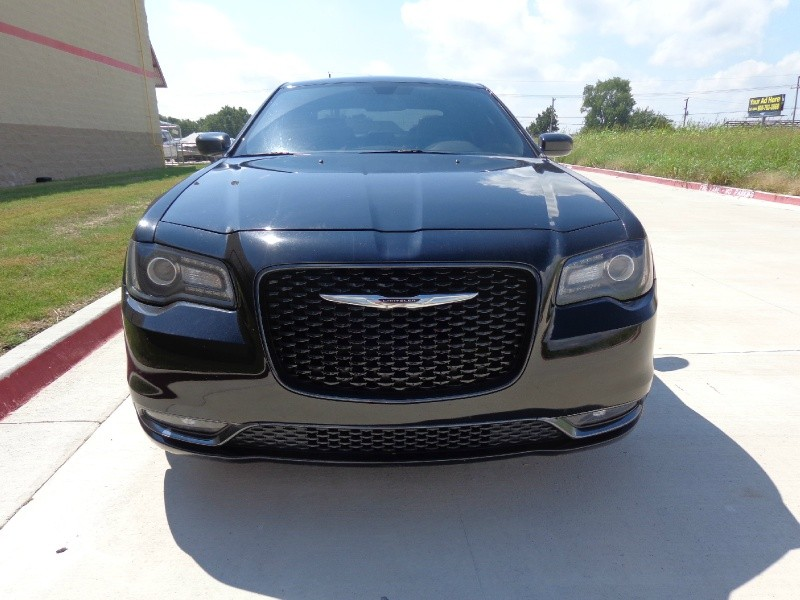 Chrysler 300 2015 price $3,000Down