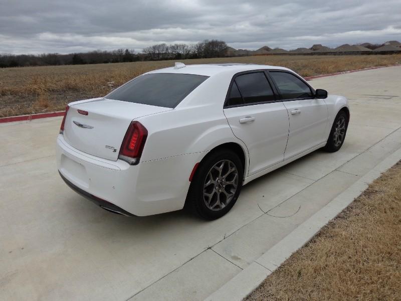 Chrysler 300 2016 price $3,500 Down