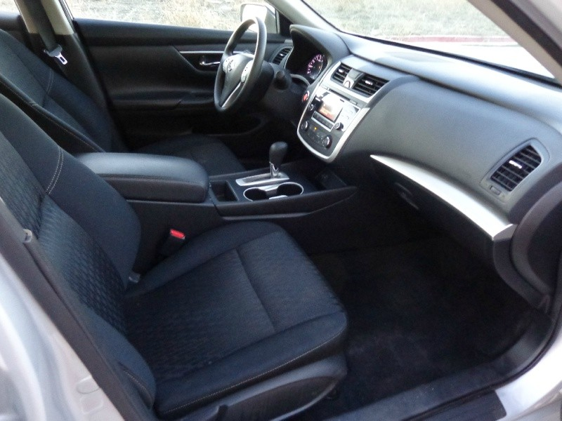 Nissan Altima 2017 price $1,200Down