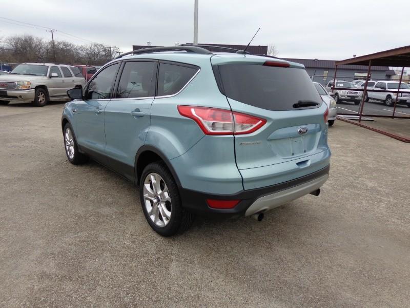 Ford Escape 2013 price $2,000 Down
