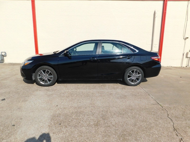 Toyota Camry 2017 price $2,000Down