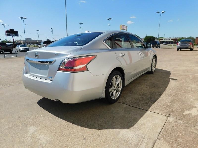 Nissan Altima 2015 price $1,500Down