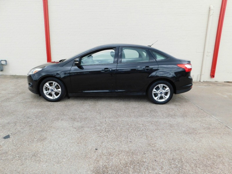 Ford Focus 2013 price $1,200Down