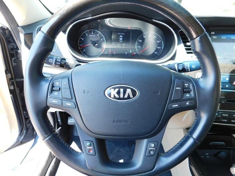 Kia Cadenza 2015 price $2,500 Down