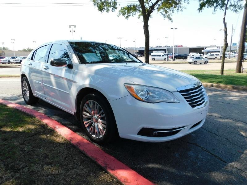 Chrysler 200 2012 price $1,500
