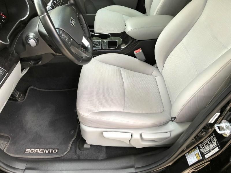 Kia Sorento 2015 price $13,900