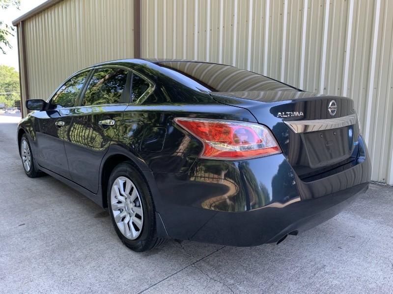 Nissan Altima 2013 price $9,900