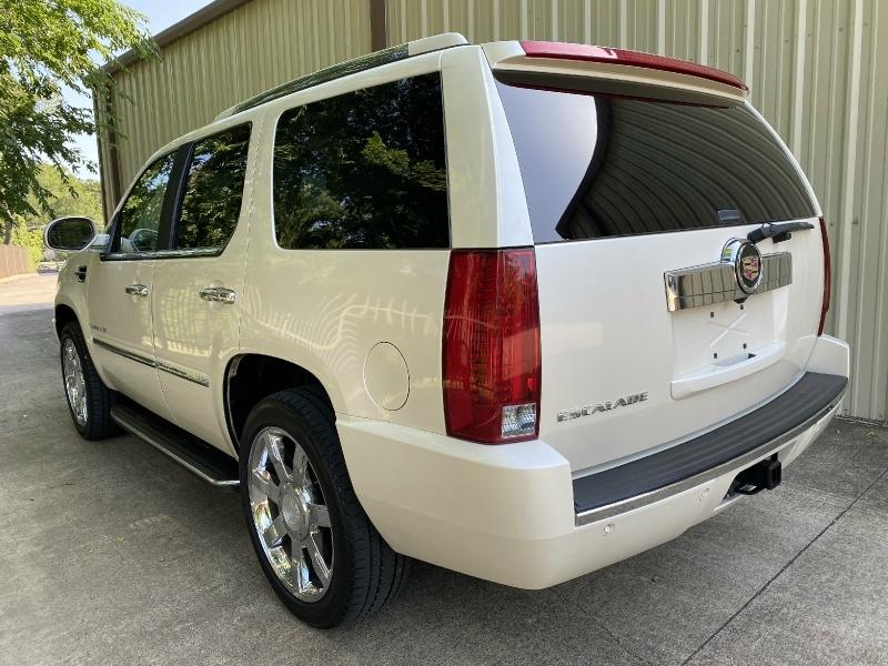 Cadillac Escalade 2007 price $11,900