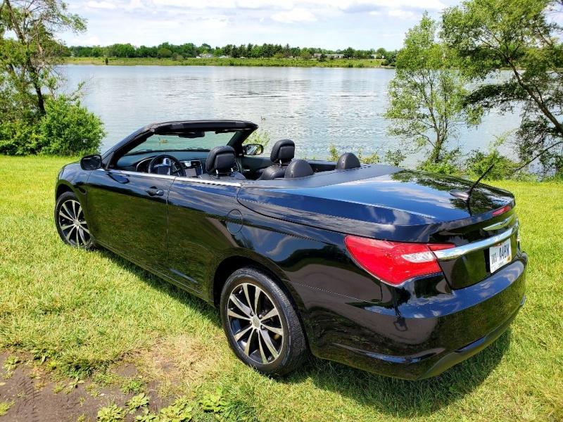 CHRYSLER 200 2012 price $9,995