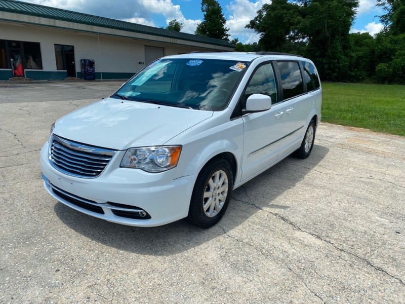CHRYSLER TOWN & COUNTRY 2016 price $11,989