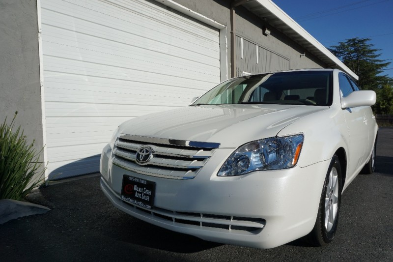 Toyota Avalon 2005 price $7,450