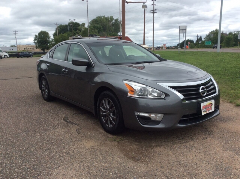 Nissan Altima 2015 price $8,595