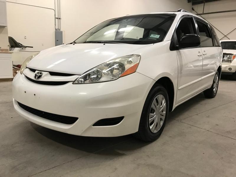 Toyota Sienna 2009 price $5,900