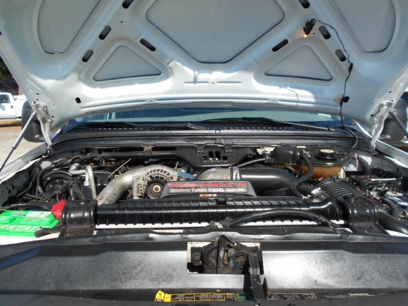 Ford Super Duty F-450 DRW 2005 price $15,999