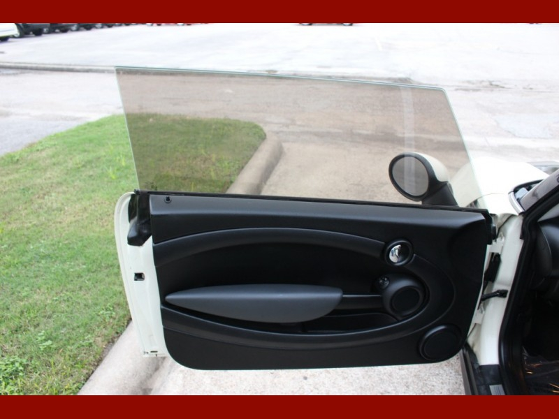 Mini Cooper Hardtop 2009 price $3,999