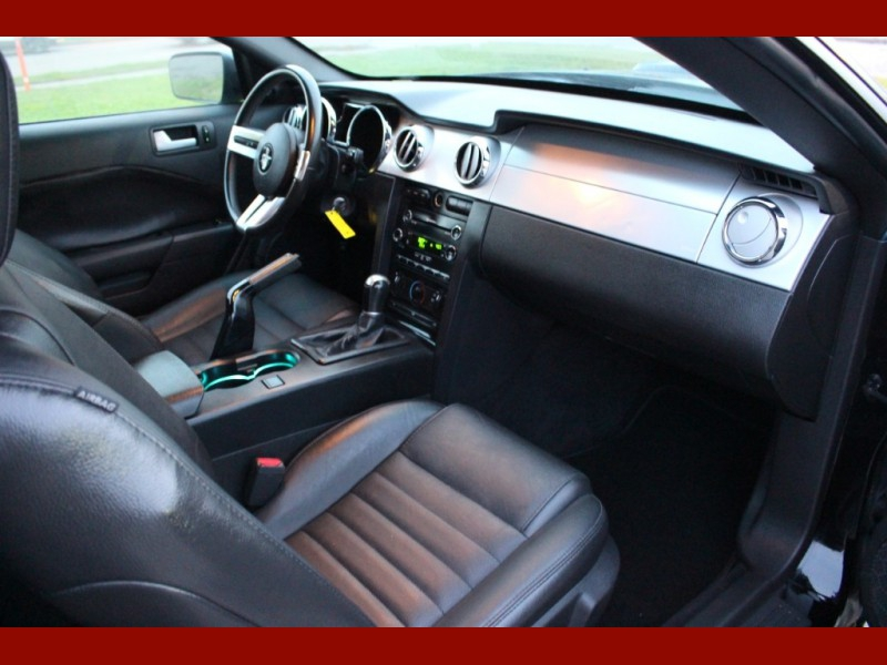 Ford Mustang 2009 price $7,999