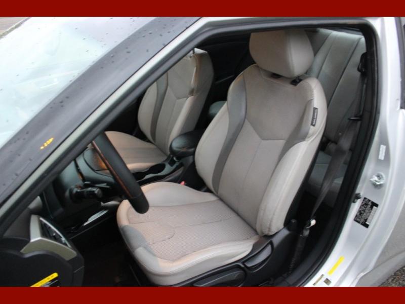 Hyundai Veloster 2012 price $5,799