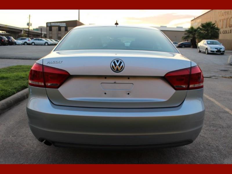 Volkswagen Passat 2012 price $5,600
