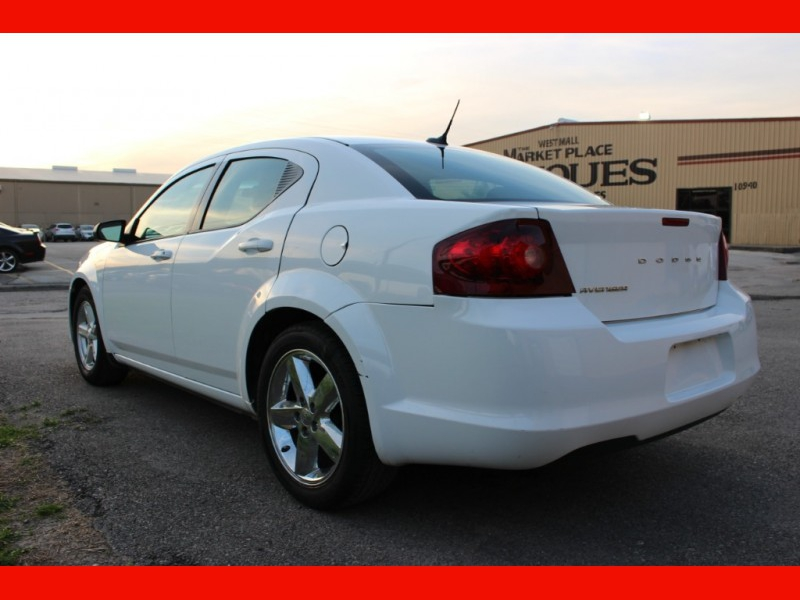 Dodge Avenger 2012 price $4,899