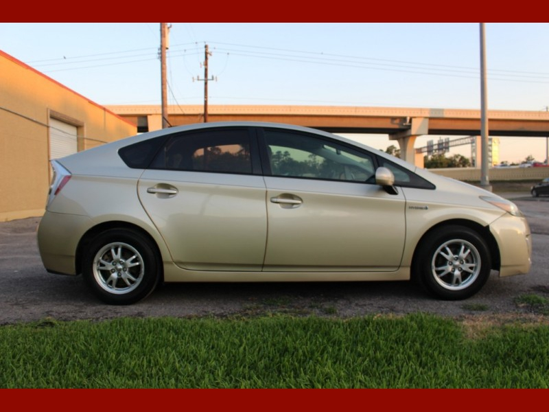 Toyota Prius 2010 price $5,800