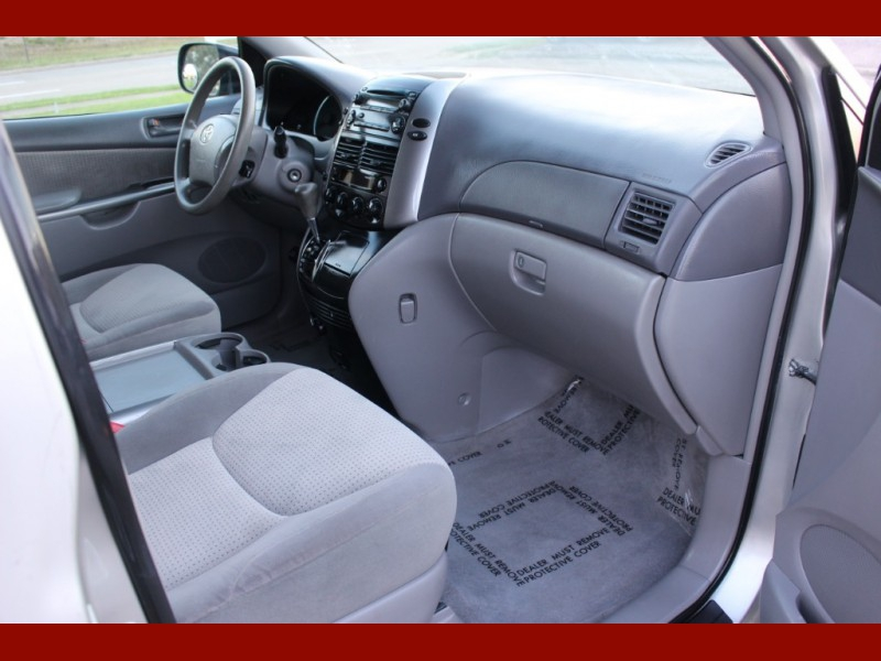 Toyota Sienna 2007 price $5,999