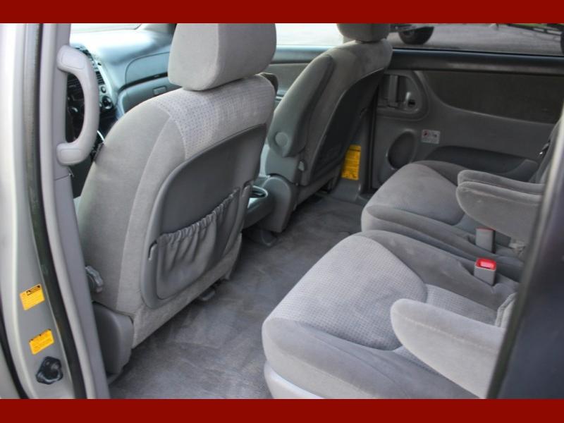 Toyota Sienna 2007 price $5,899