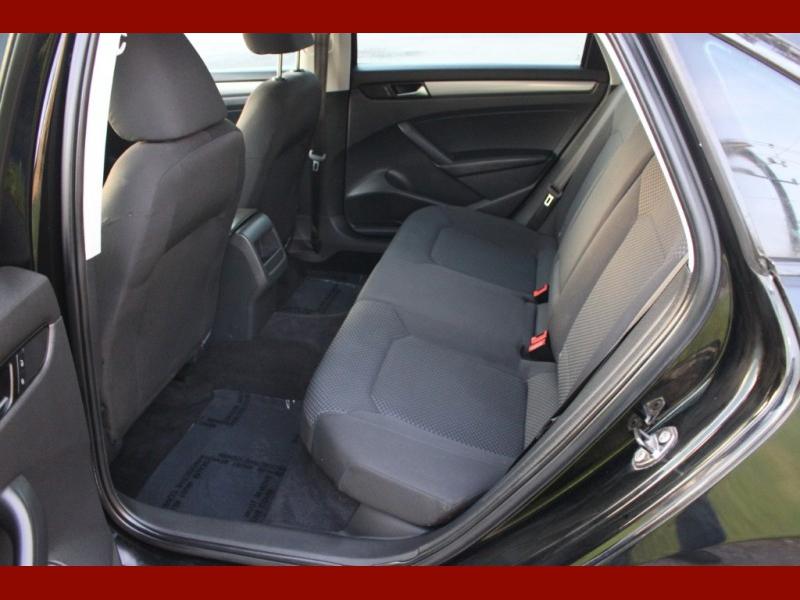 Volkswagen Passat 2013 price $6,299