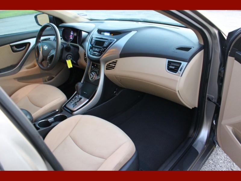 Hyundai Elantra 2013 price $5,800
