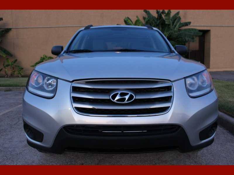 Hyundai Santa Fe 2012 price $5,699