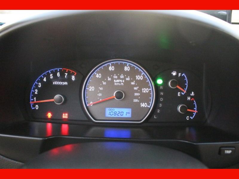 Hyundai Elantra 2009 price $3,999