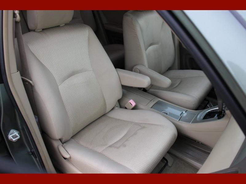 Toyota Highlander 2005 price $5,699