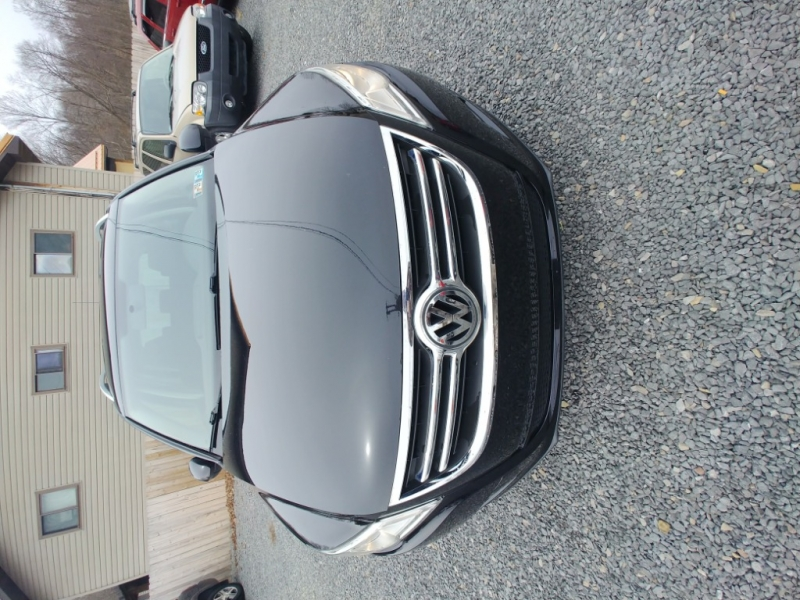 Volkswagen Tiguan 2009 price $5,795