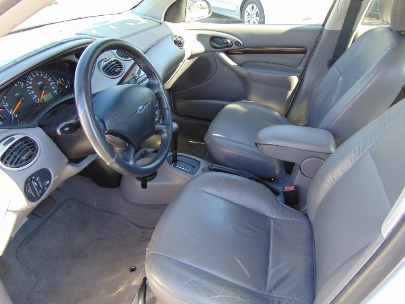 Ford Focus 2001 price $3,995