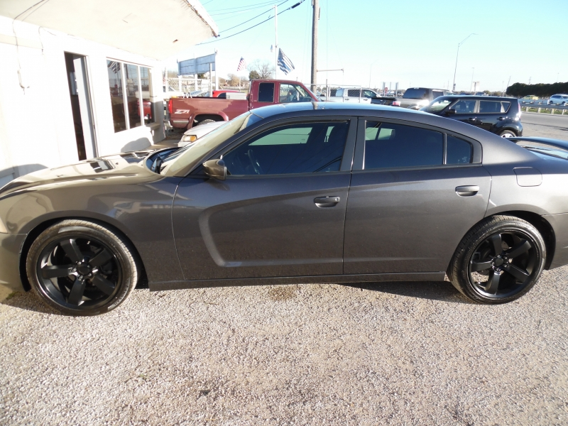 Dodge Charger 2013 price $8,999 Cash