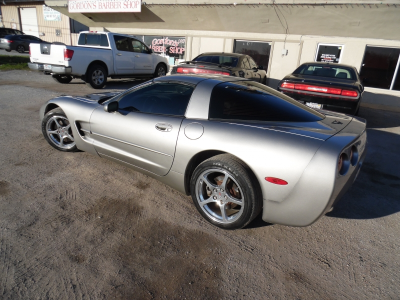 Chevrolet Corvette 2001 price $8,999 Cash